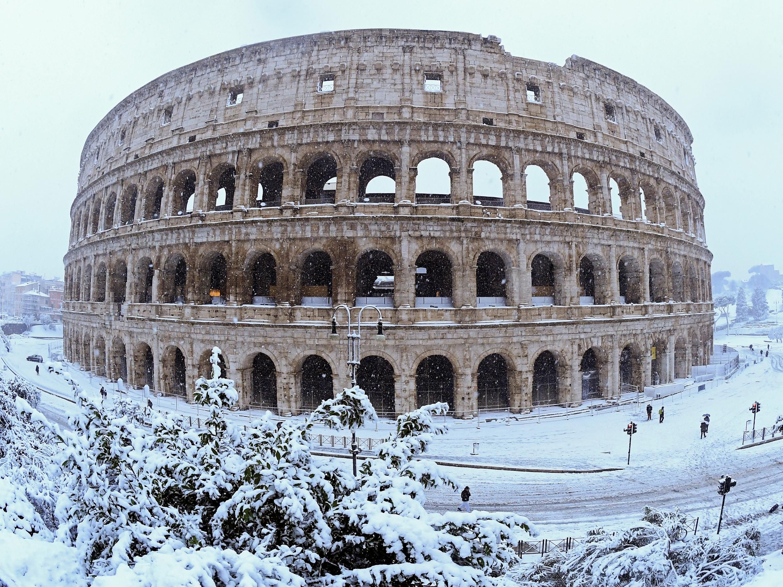 Snow in Rome causes Italian soldiers to be deployed to capital's streets as arctic blast sweeps across Europe