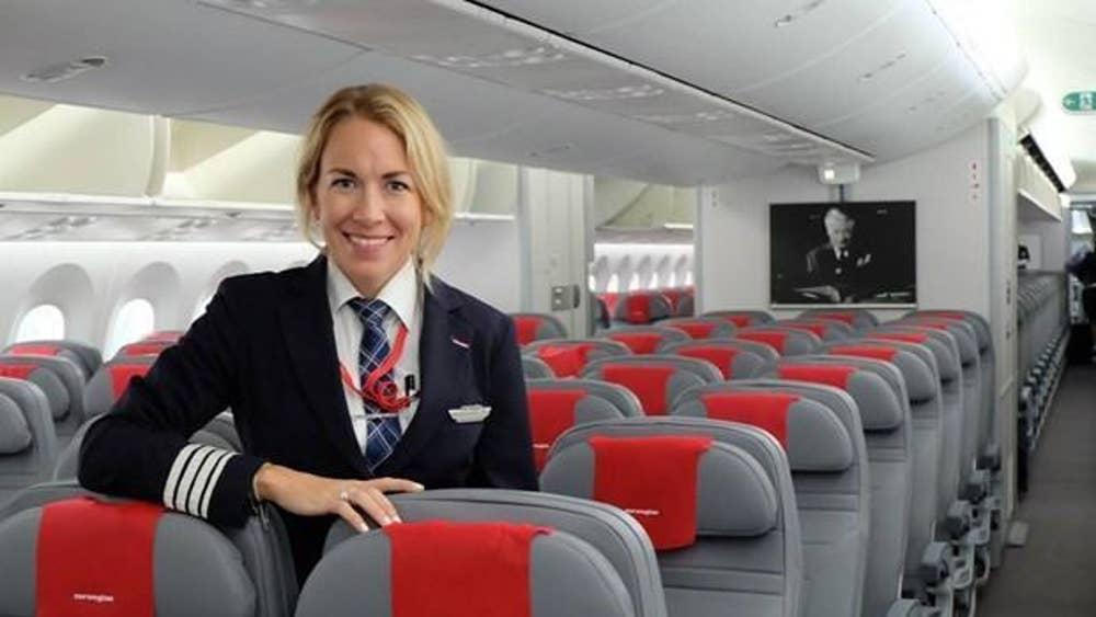 Jessica Sundquist 787 Dreamliner Captain At Norwegian