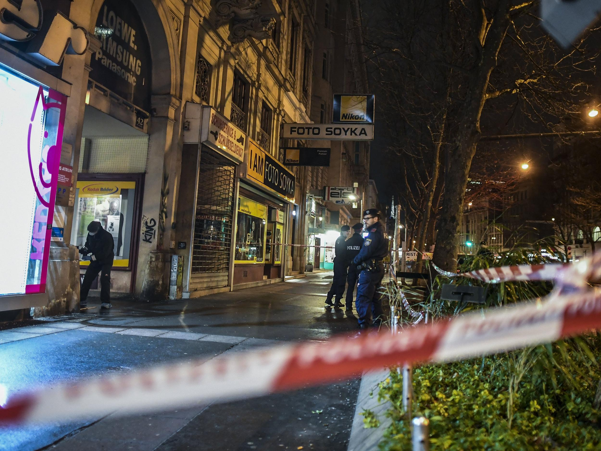 Vienna knife attacks: Police know 'absolutely nothing' after four wounded in two separate assaults