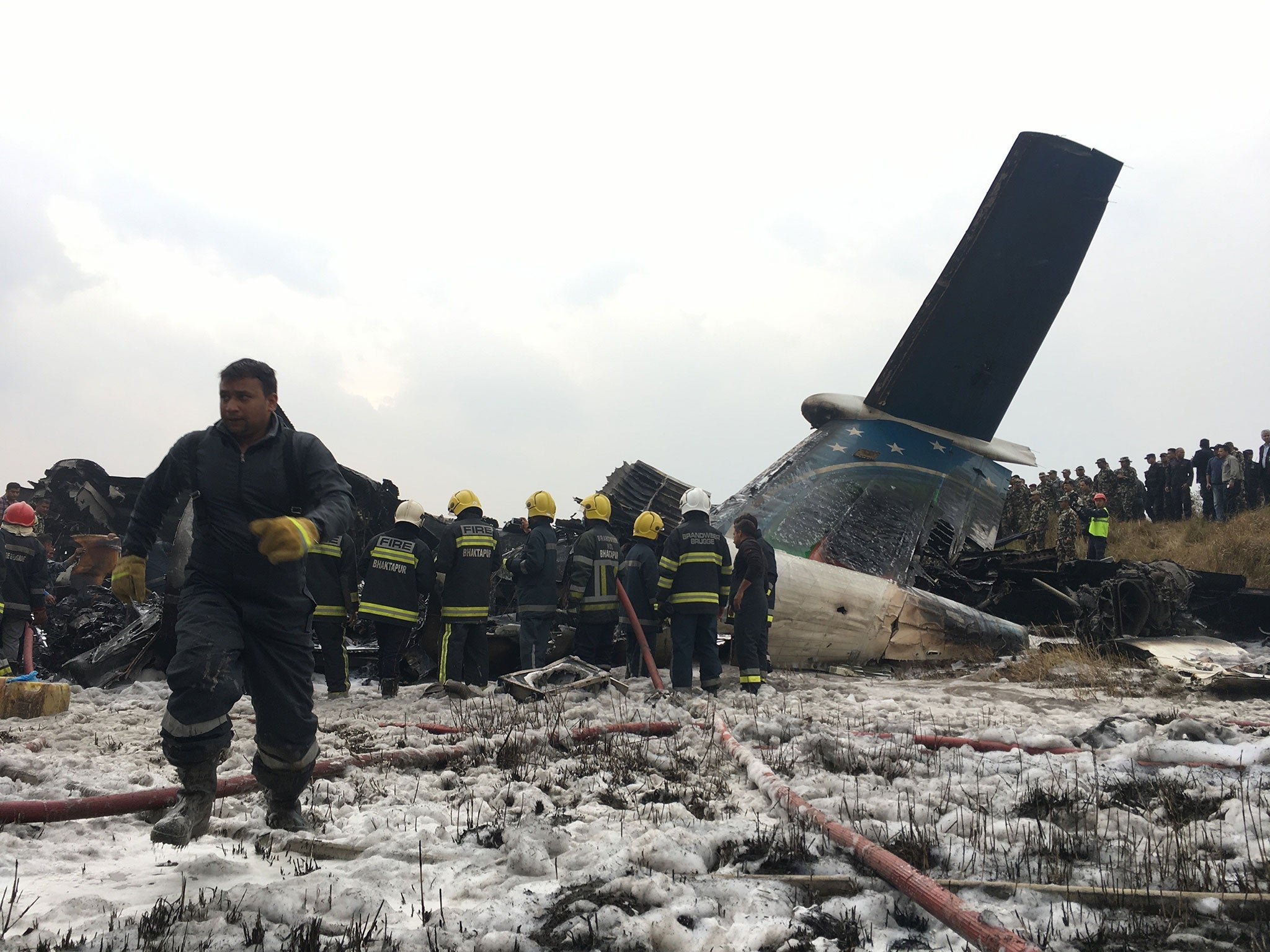 Resultado de imagen para US-Bangla Q400 air crash