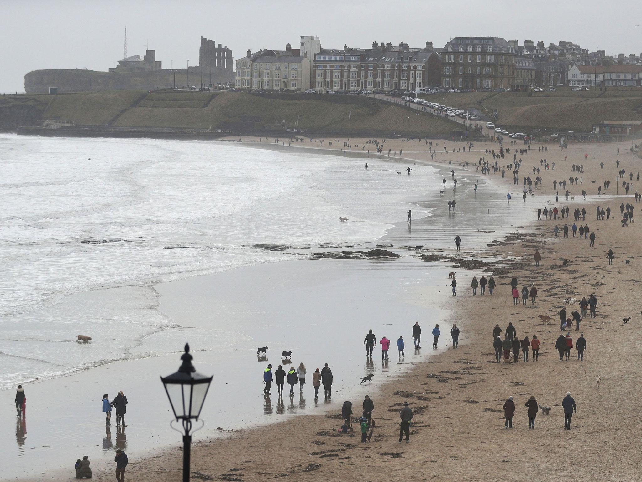 UK weather latest: Gale-force gusts and new cold snap to hit Britain this week