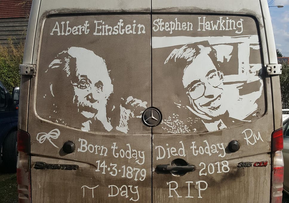 Man Pays Tribute To Stephen Hawking By Drawing Picture Of Professor