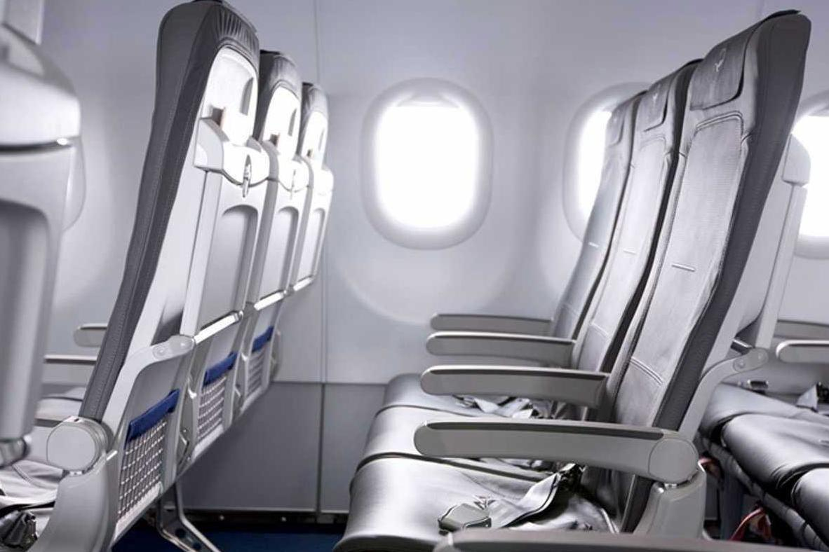 10 Things Airlines Are Doing To Make Flying Economy More Comfortable Aviation Knee Key Systems Wiring Diagram Lufthansa