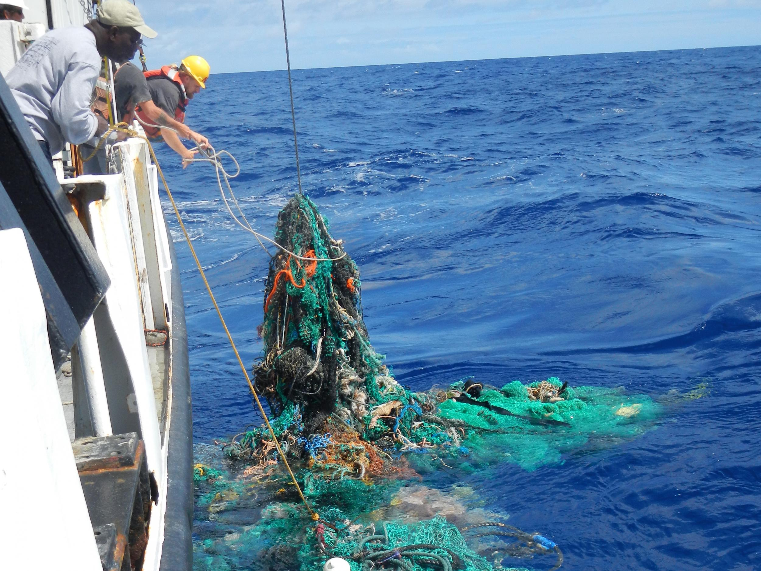 World's first ocean plastic-cleaning machine set to tackle