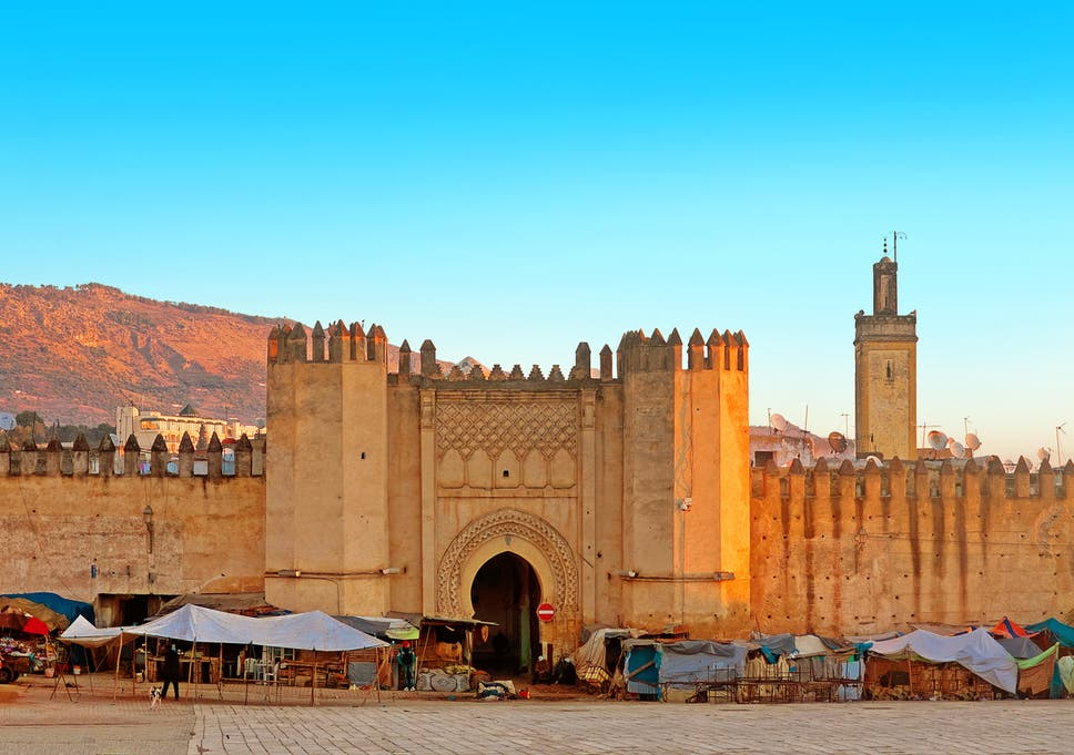 Should you keep your options open when dating a moroccan