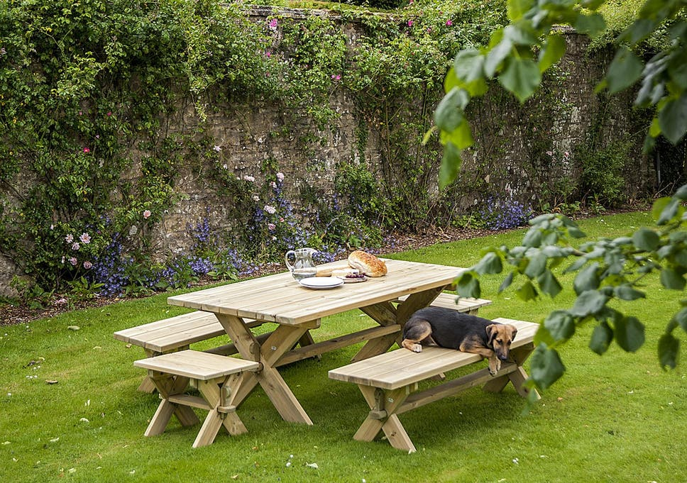 Brilliant 10 Best Garden Benches The Independent Home Interior And Landscaping Elinuenasavecom