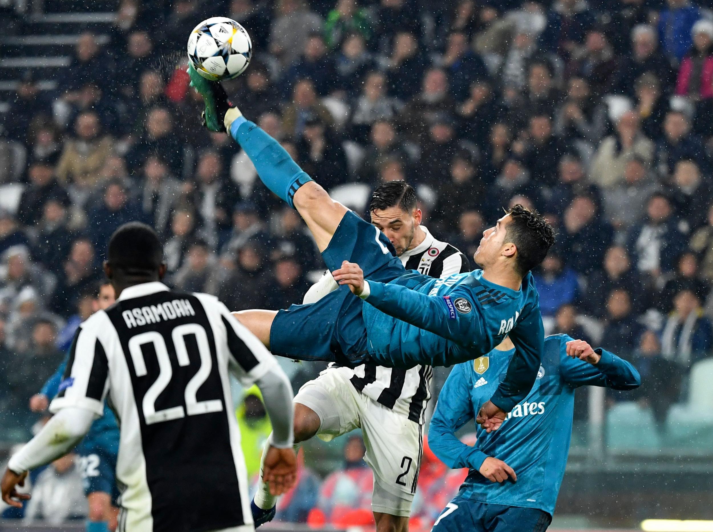 Risultati immagini per Cristiano ronaldo goal Juventus bicycle