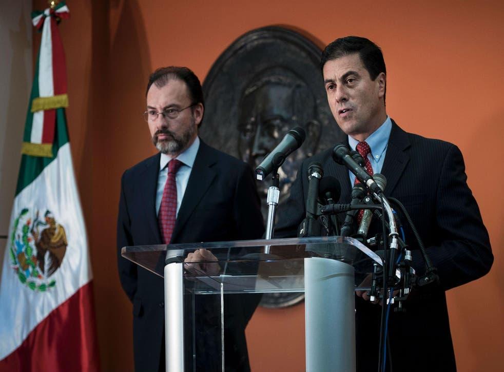 Mexico's Ambassador to the US, Geronimo Gutierrez (right), introduces Mexico's Foreign Minister, Luis Videgaray