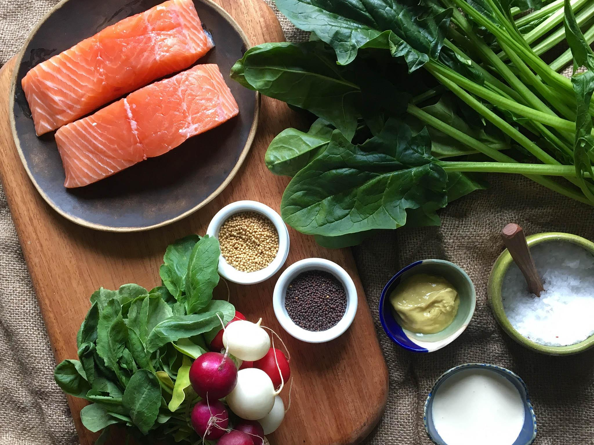 How to make salmon with wilted creamed spinach, radish leaves and pickled radishes