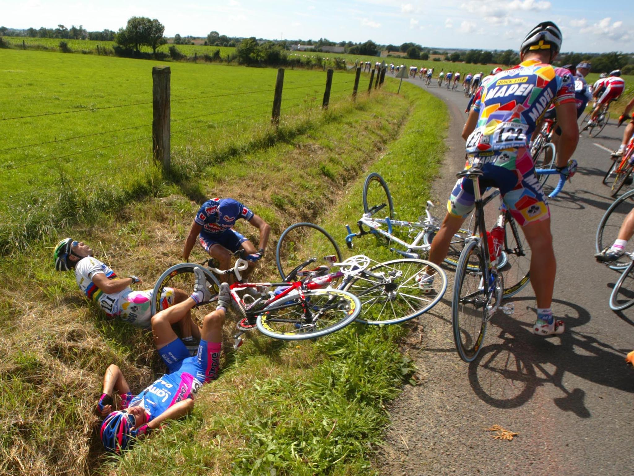 Sunday in Hell  The dark side of professional cycling revealed  4a7ab6c74