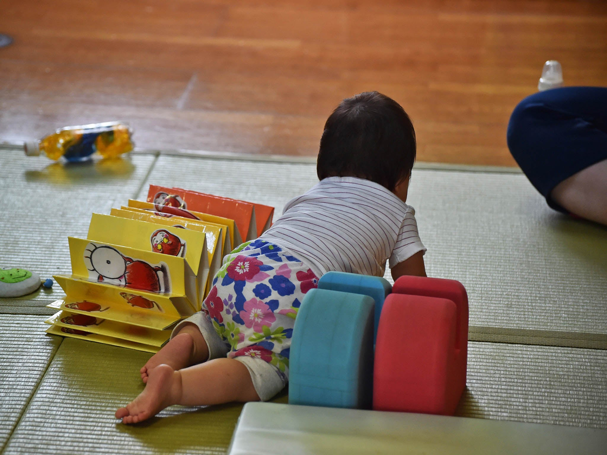 Japanese Toy Companies : Japanese couple apologise for getting pregnant before their turn
