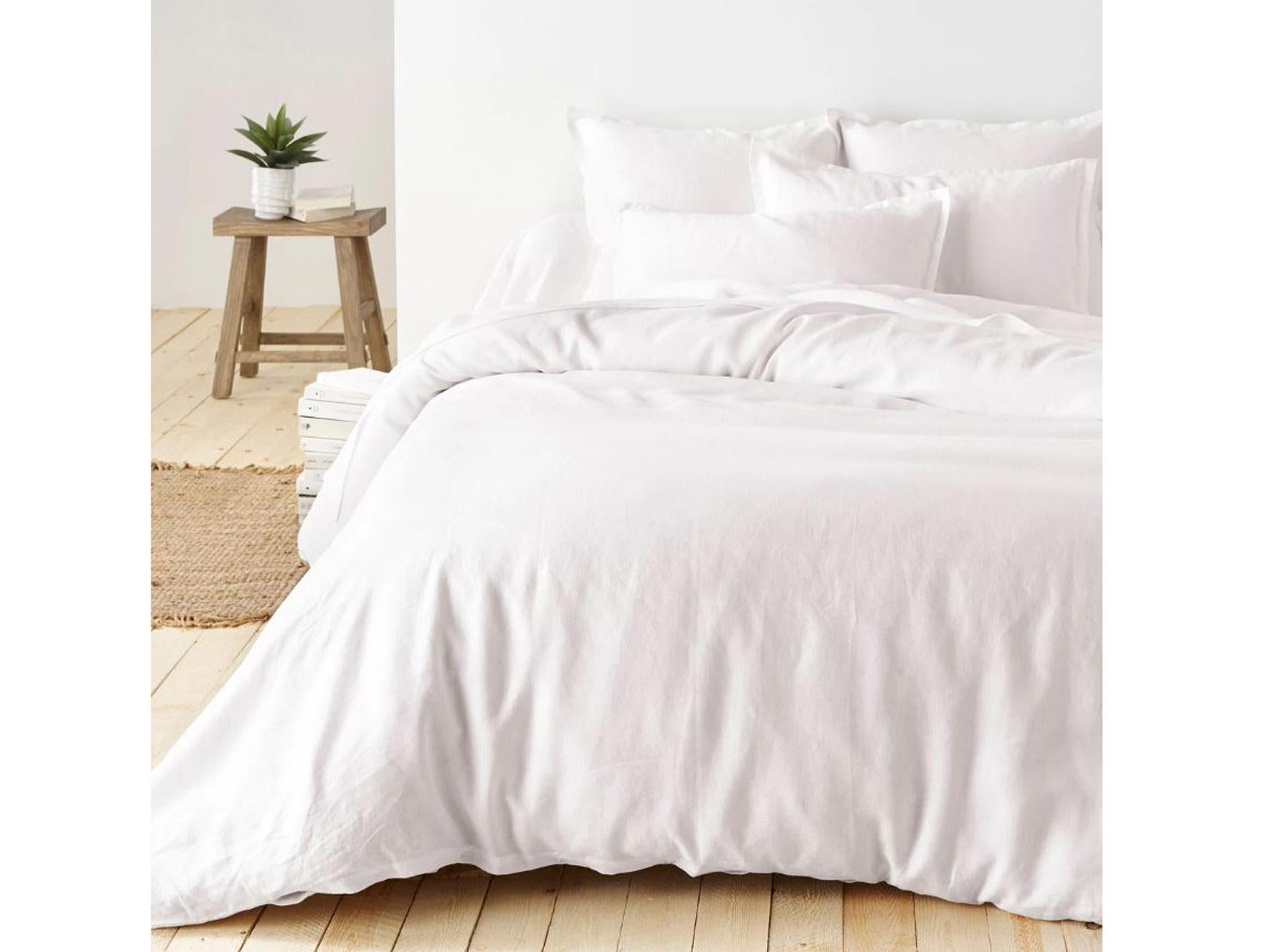 11 Best Linen Bedding Sets The Independent To Find Deal How Fold Fitted Sheets Diagram Right Now Set Includes Pillowcase Sheet Or Flat Duvet Cover Machine Wash 60