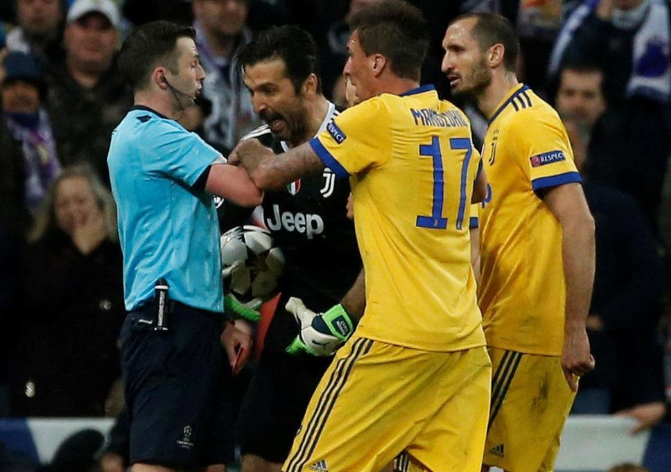 5051e0b0f48 Juventus were furious with Michael Oliver s decision to award a penalty