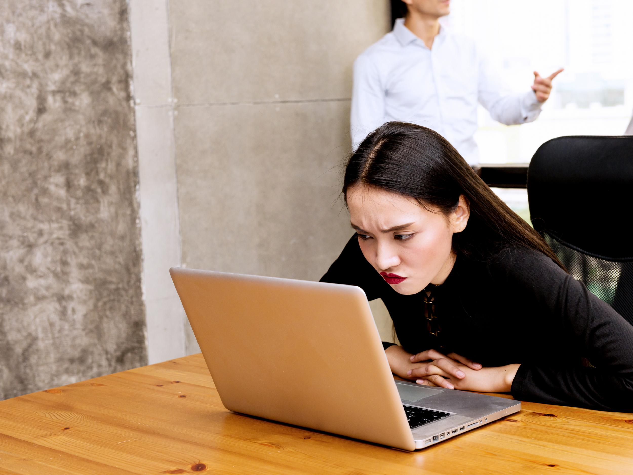 Twenty Two Signs Your Co Workers Secretly Hate You The Independent