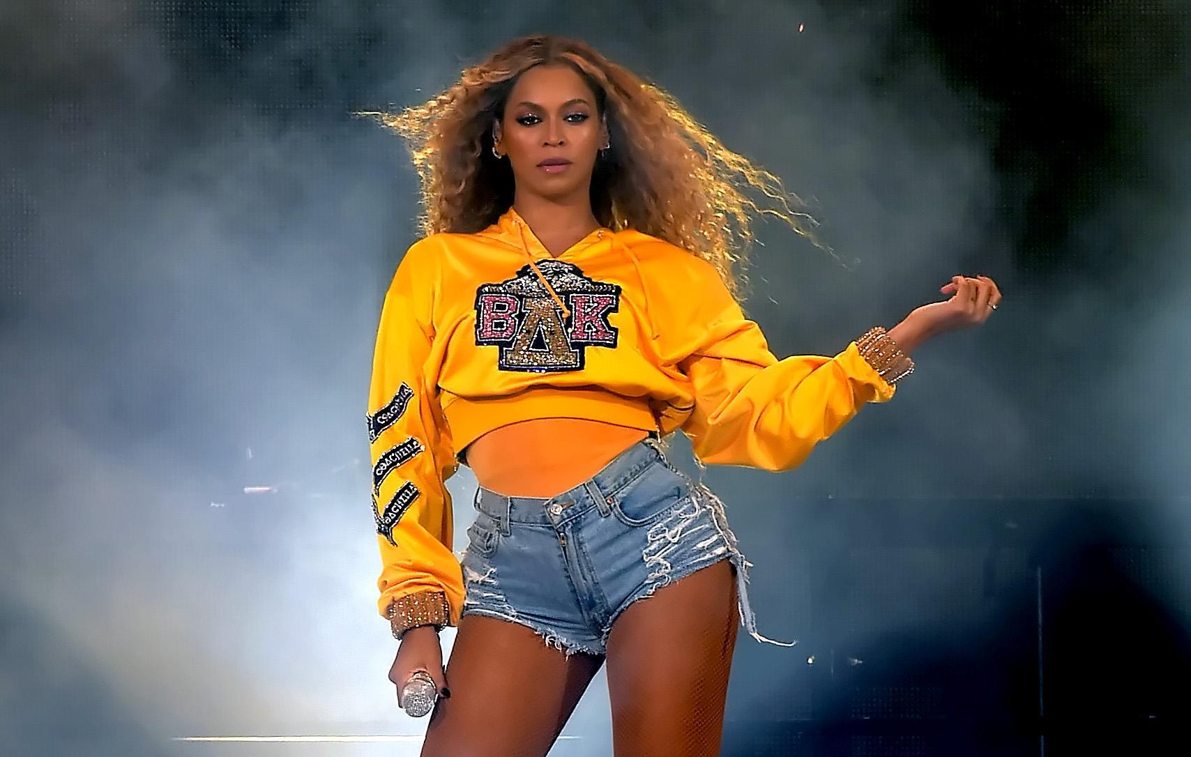 Beyoncés Message About Body Acceptance Is Pretty Powerful pictures