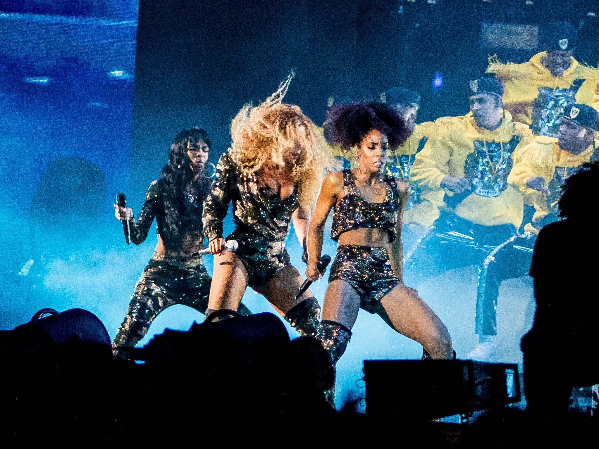 Beyonce Fans Told Not To Spew Hate At Nicole Curran Over Golden