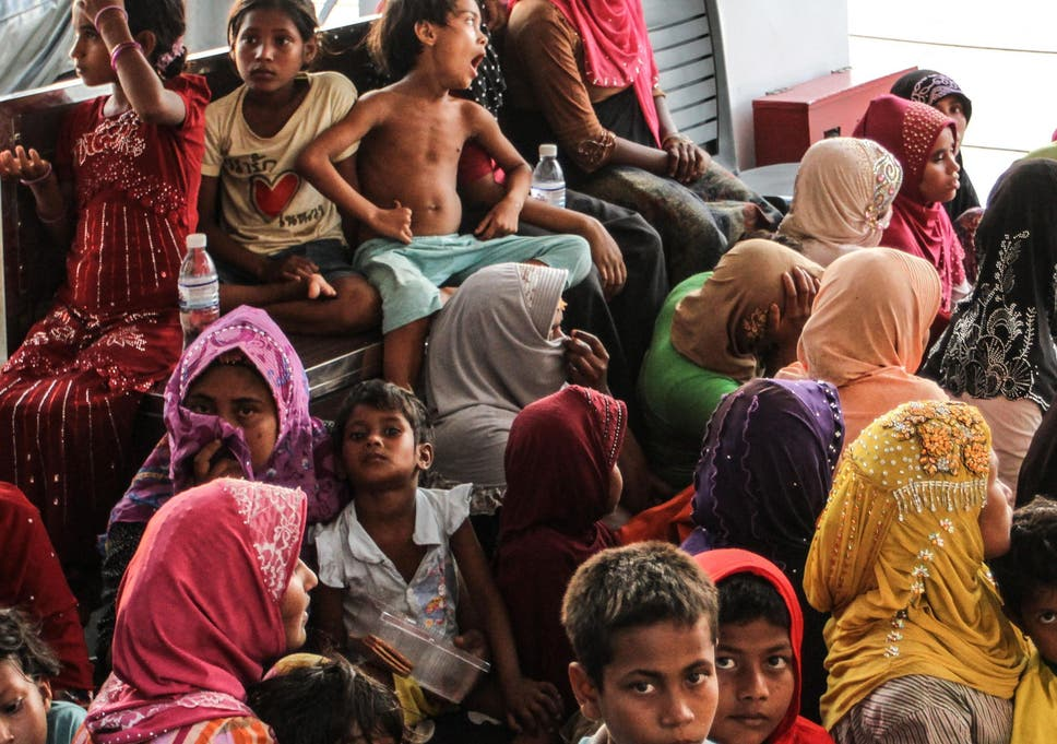 Rohingya Muslims Leave Myanmar