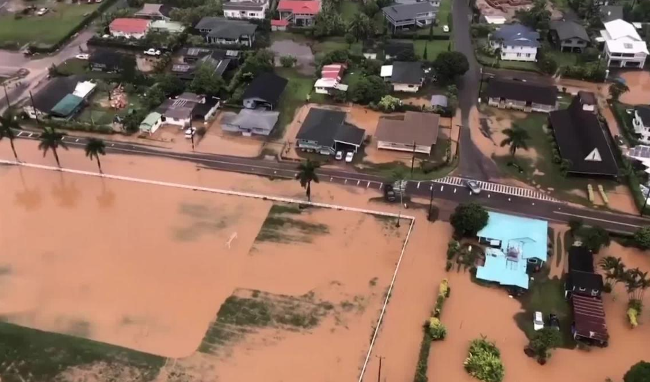 Mudslides and flash flooding trigger state of emergency in Hawaii