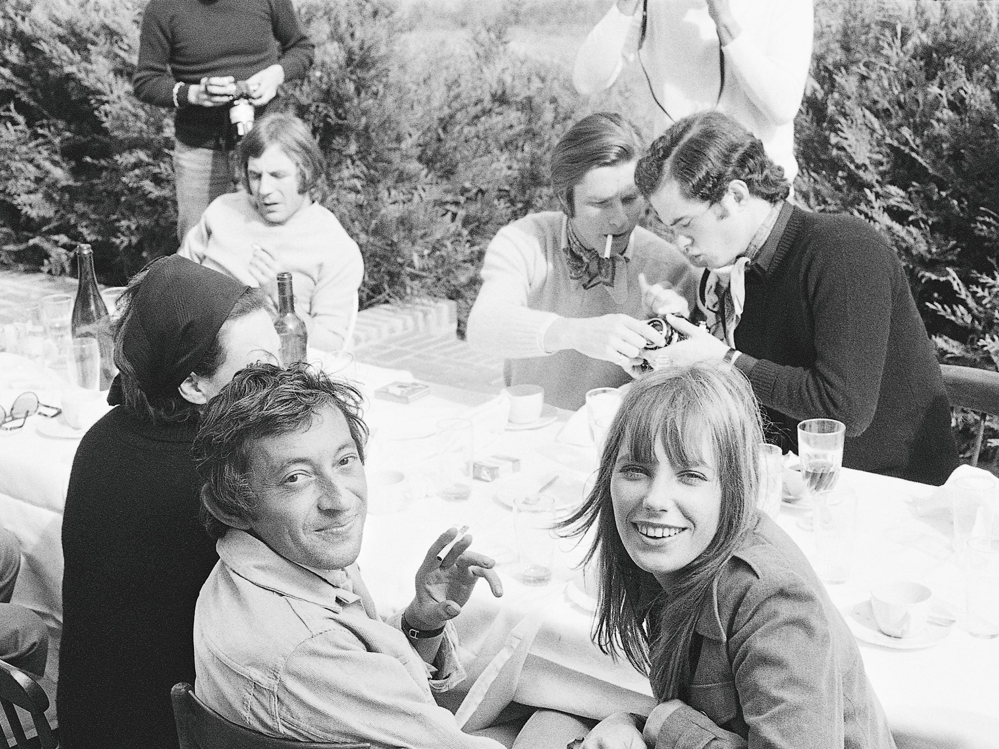 Jane Birkin Serge Gainsbourg The Photos That Capture A year old Love Affair Between The English Rose And Her Gallic Gargoyle The Independent The Independent