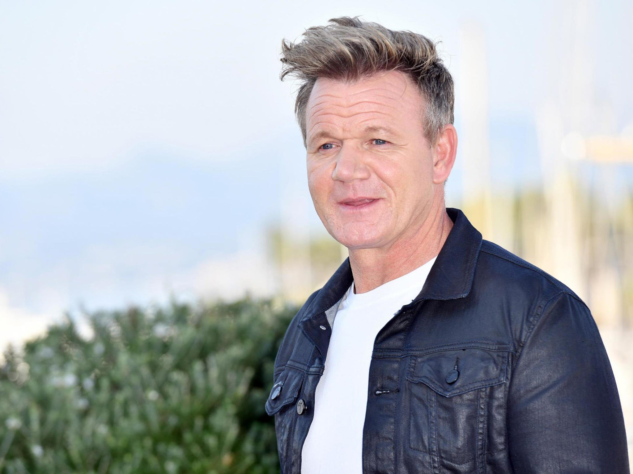 gordon ramsay reveals he s going to give this vegan thing a try