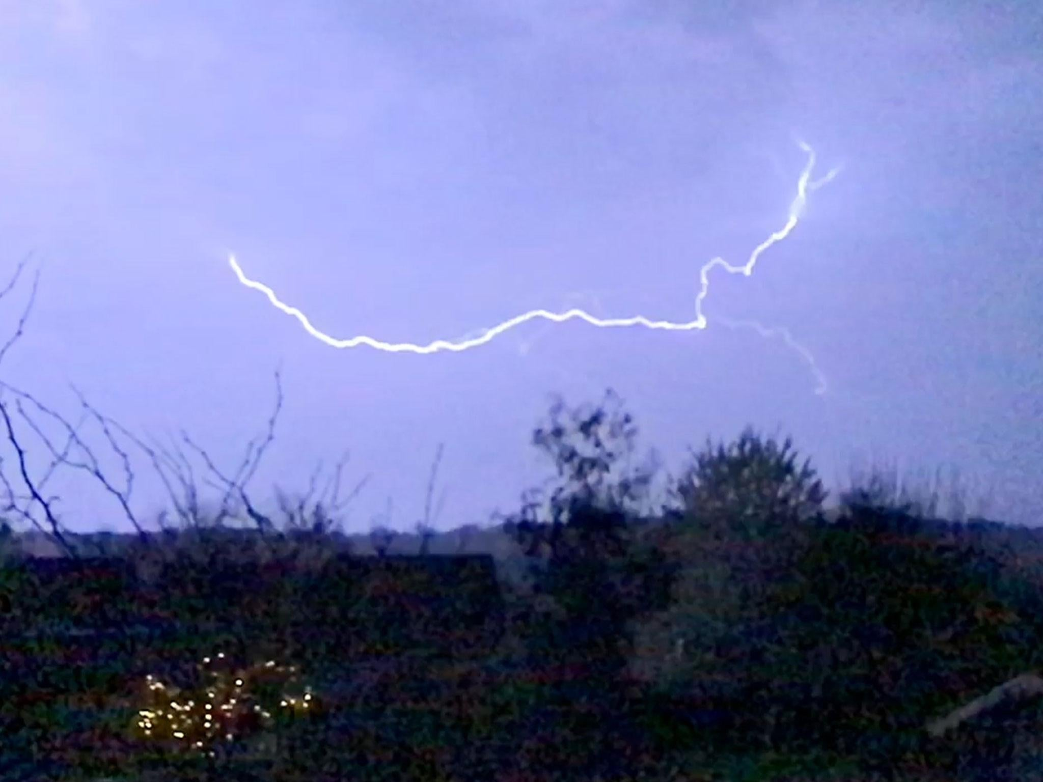 Uk Weather Watch Fork Lightning Carve Through The Sky In Overnight Storm The Independent