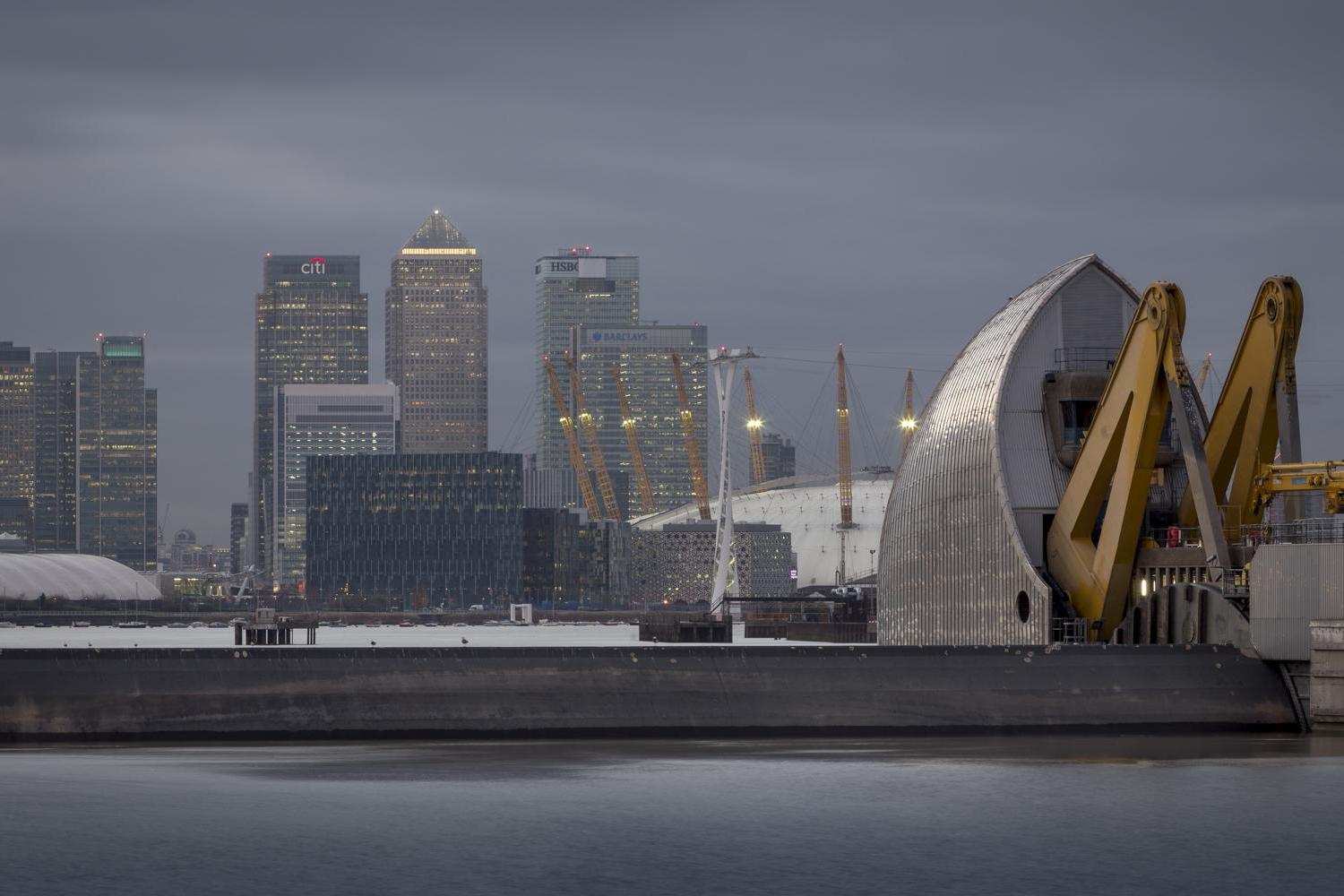 Meet the London cab driver who takes incredible photographs of the capital's landmarks at dawn