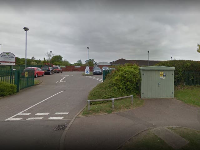 Ashby Fields Primary in Daventry plans to close at 1.15pm on Fridays