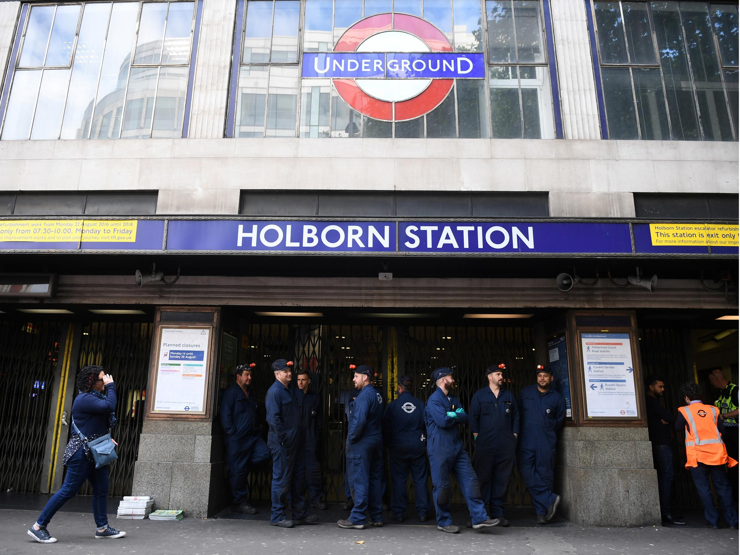 Man Run Over By Hundreds Of Tube Trains After Staff Mistook Body 027 Switches On Acc Power Will This Work O Gauge Railroading For Fox The Independent