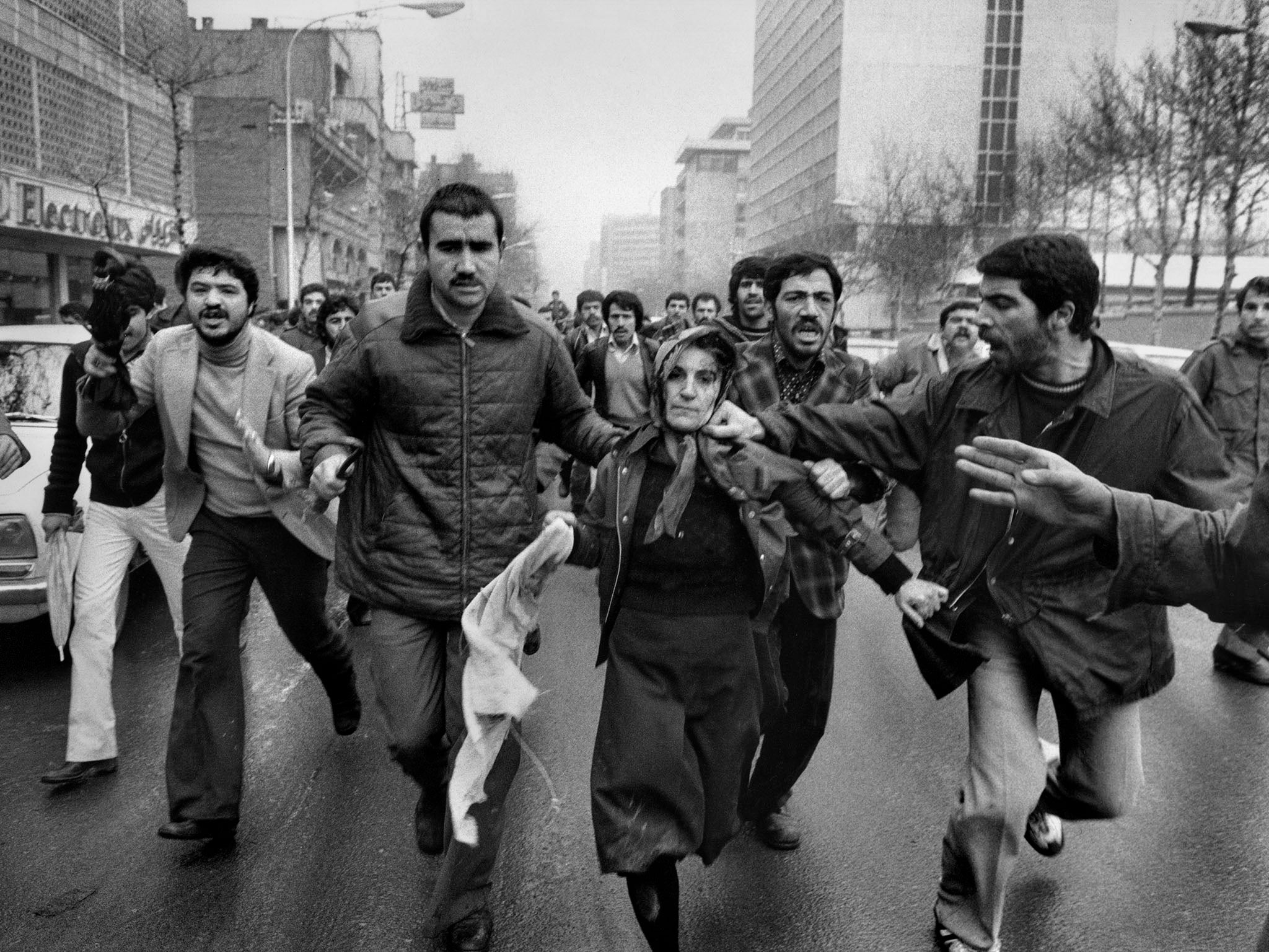 Abbas: Magnum photographer who chronicled the Iranian revolution