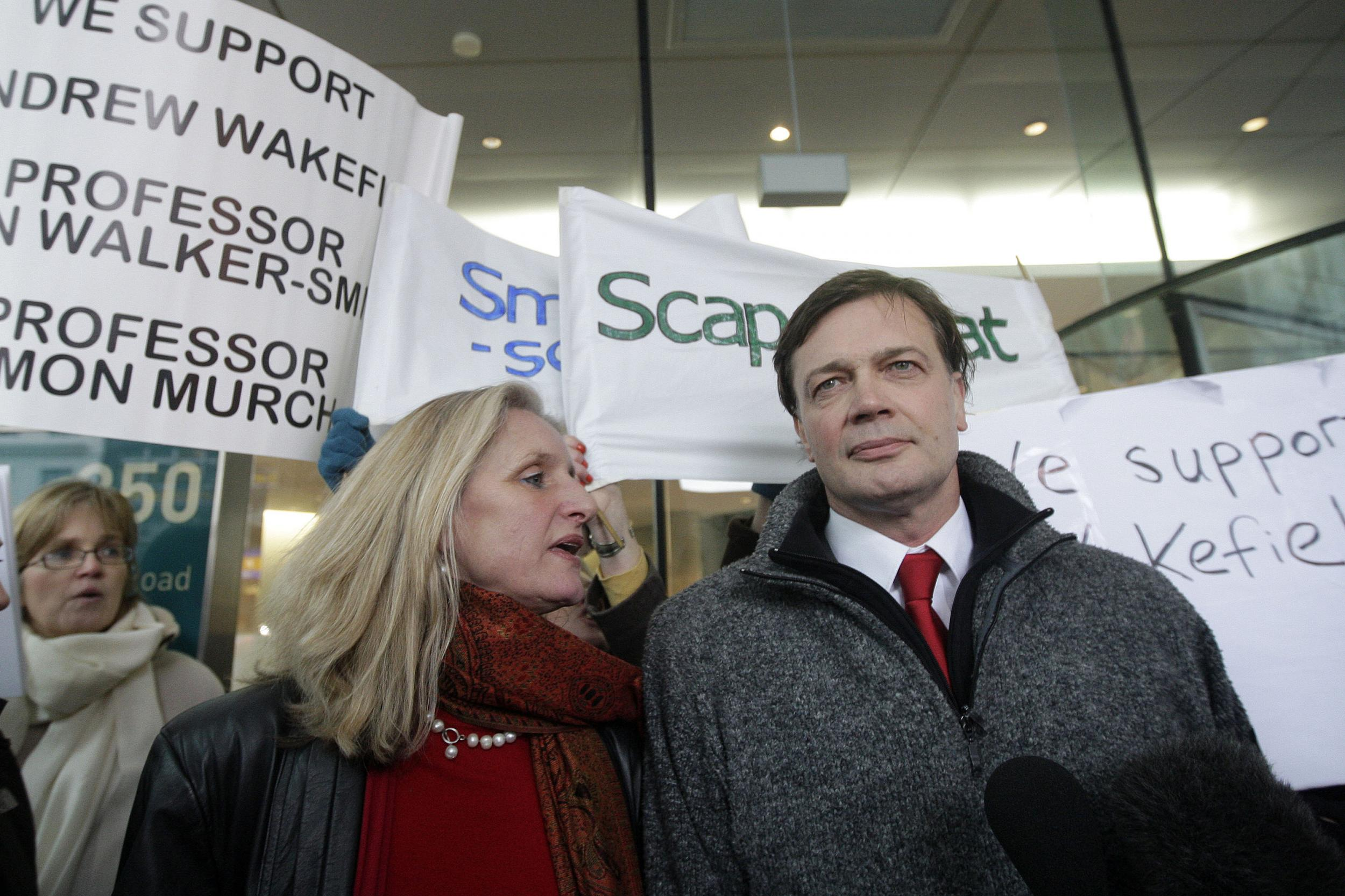 How Disgraced Anti Vaxxer Andrew >> Andrew Wakefield How A Disgraced Uk Doctor Has Remade Himself In