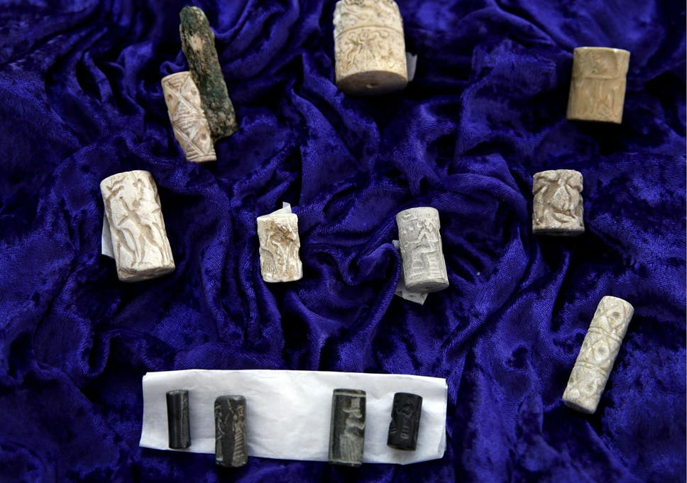 Thousands Of Ancient Iraqi Artifacts Smuggled To Us By