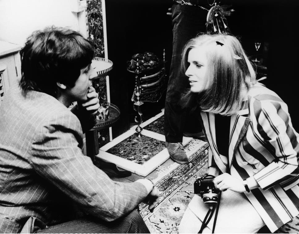 Paul McCartney Donates Incredibly Generous Gift Of Unseen Linda
