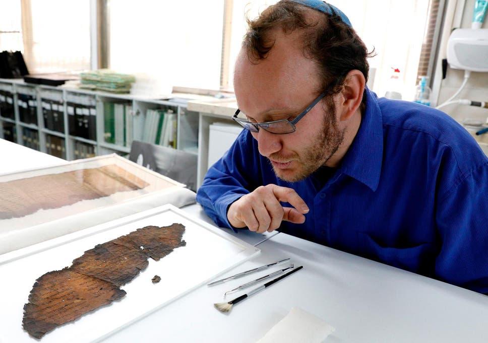 why were the dead sea scrolls hidden