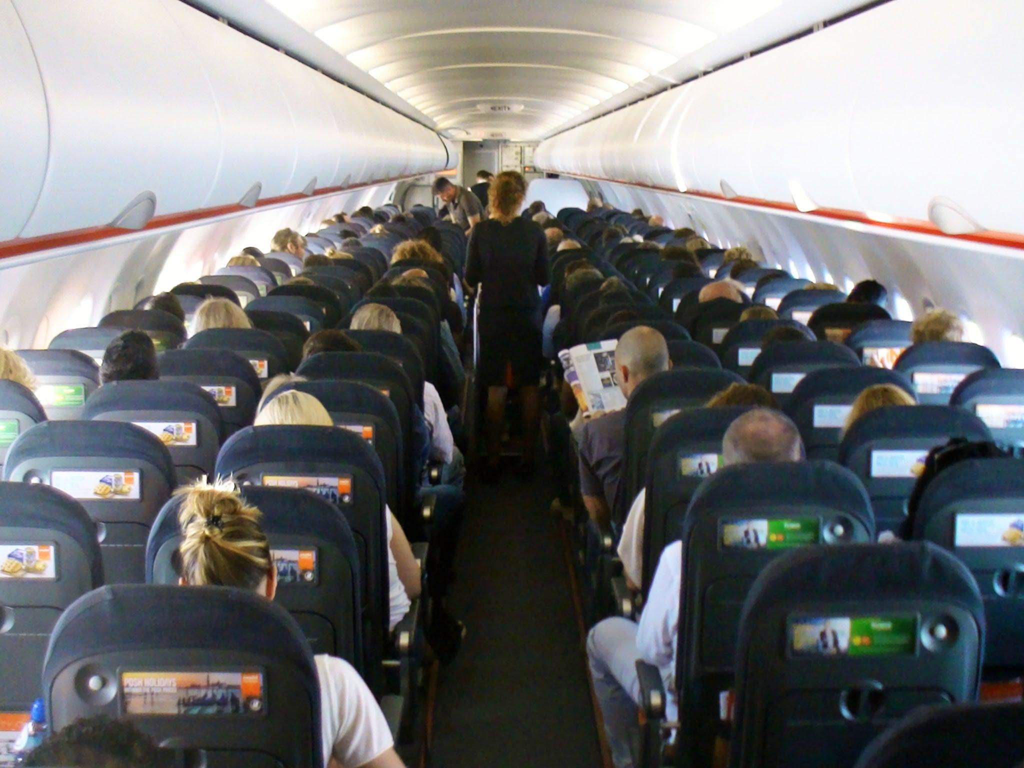 Resultado de imagen para cerdeña tourist airplane easyjet