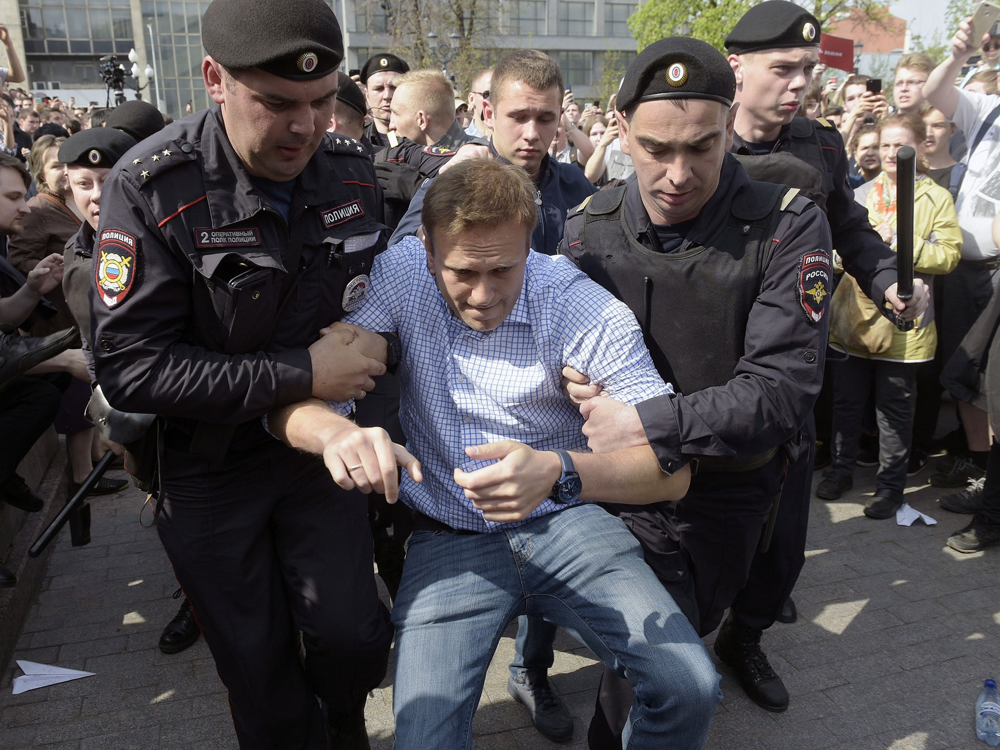 Key Putin opponent Alexei Navalny among hundreds arrested in violent clashes with Russian police