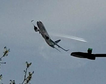 It sounded and looked like it was going to crash': Low-flying plane