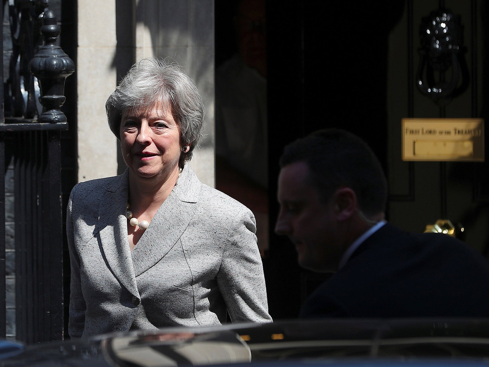 Theresa May slaps down minister who admits UK will pay £39bn divorce bill regardless of future trade deal