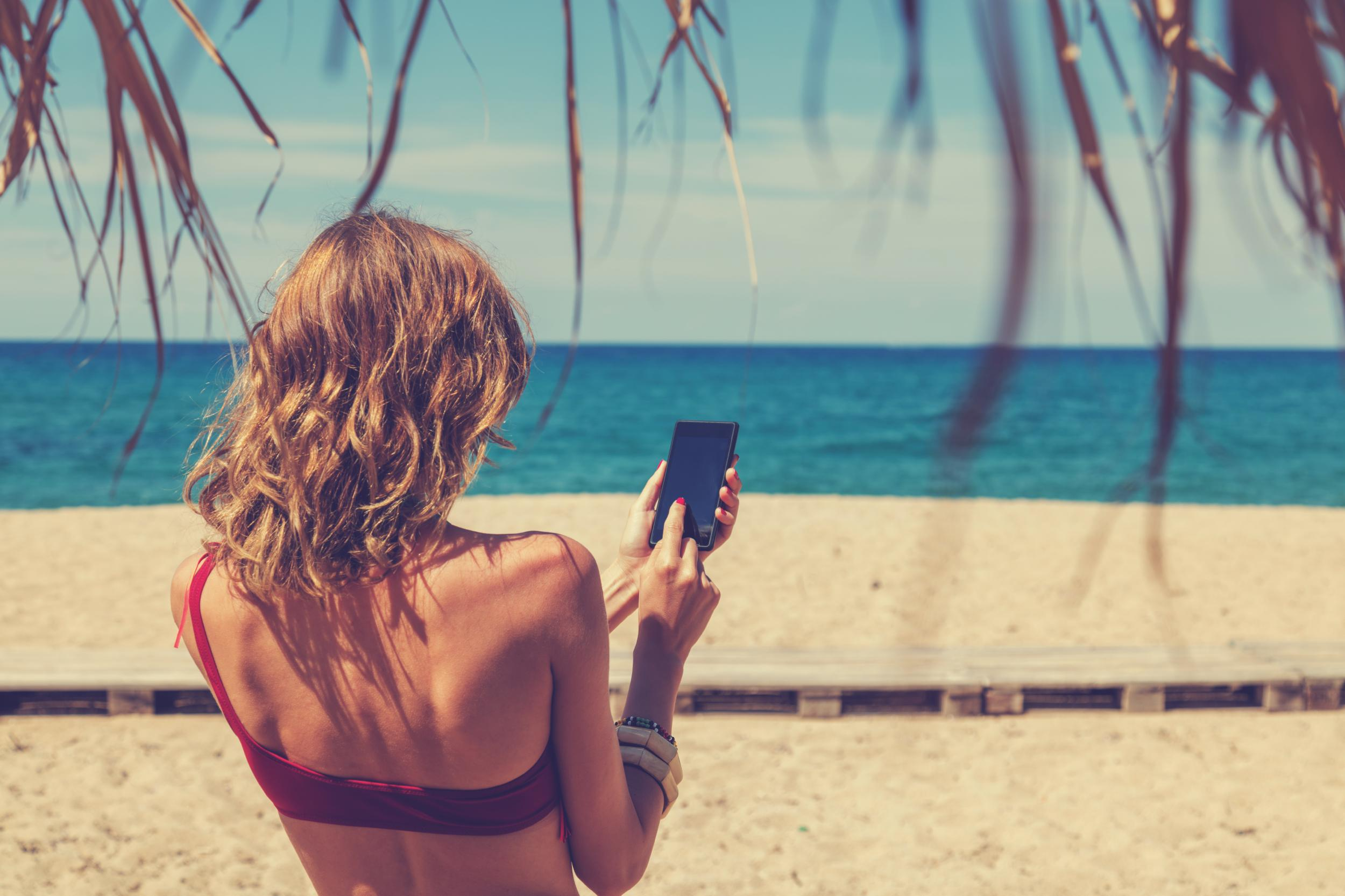 Instagram: Users can now book holidays through social media platform ...