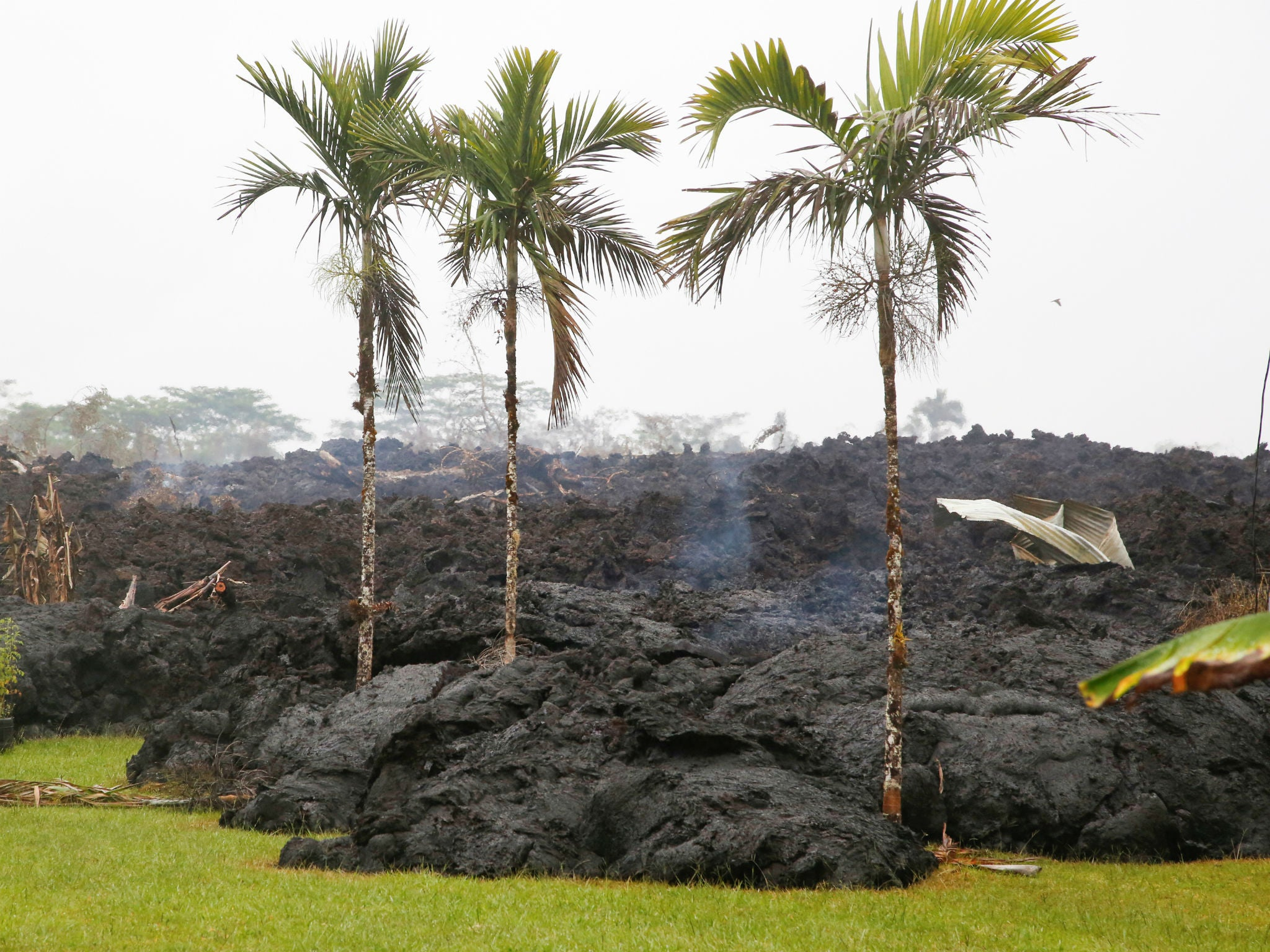 Hawaii volcano: Kilauea could explosively erupt sending rocks and ash for miles, says US Geological Survey