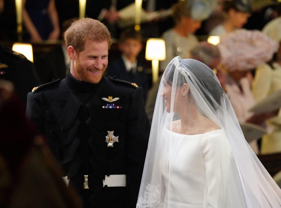 meghan markle wedding dress revealed duchess of sussex wears givenchy to marry prince harry the independent the independent meghan markle wedding dress revealed