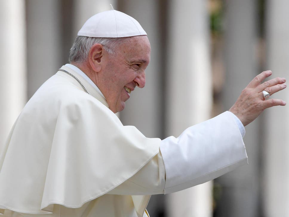 Love in Marriage Should Grow Each Day with Dialogue: Pope Francis