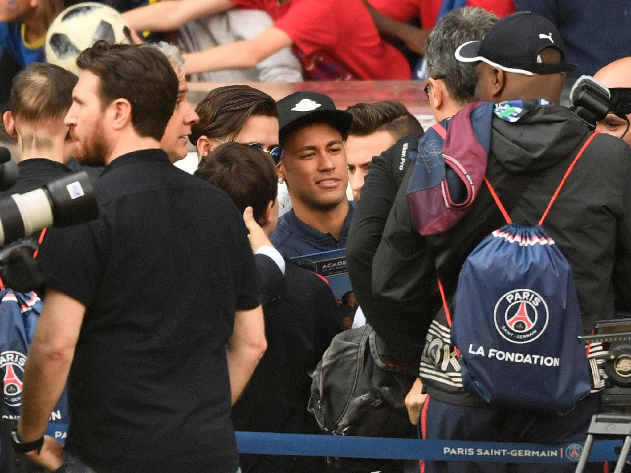 Thomas Tuchel Tells PSG To Build Team Around Artist Neymar