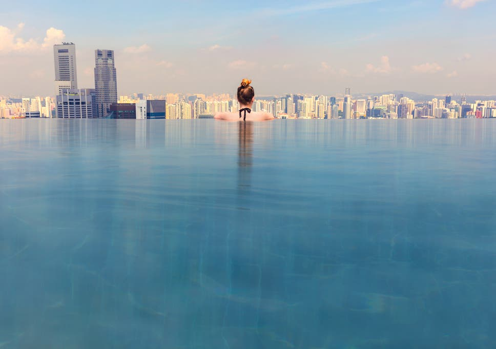British Tourist Surprised When Infinity Pool At Vietnam Hotel