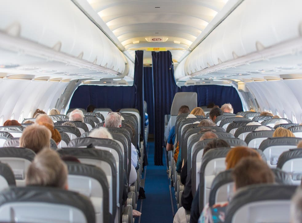 The Aerotoxic Association has called for an investigation into the effect of contaminated air in planes