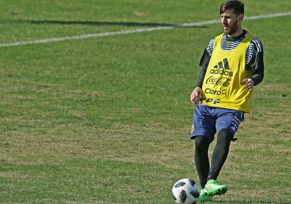 8d31834bb8b Lionel Messi announces future desire to play for Newell s Old Boys ...