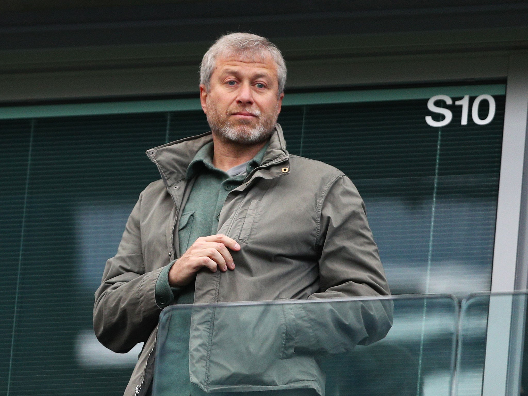 Abramovich is insulted in Italy 09/15/2011 98