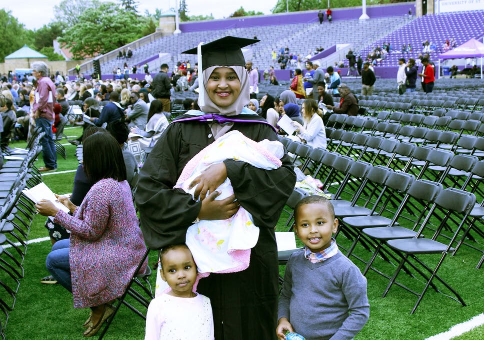 89e5566925d Mother attends her graduation ceremony 21 hours after giving birth ...