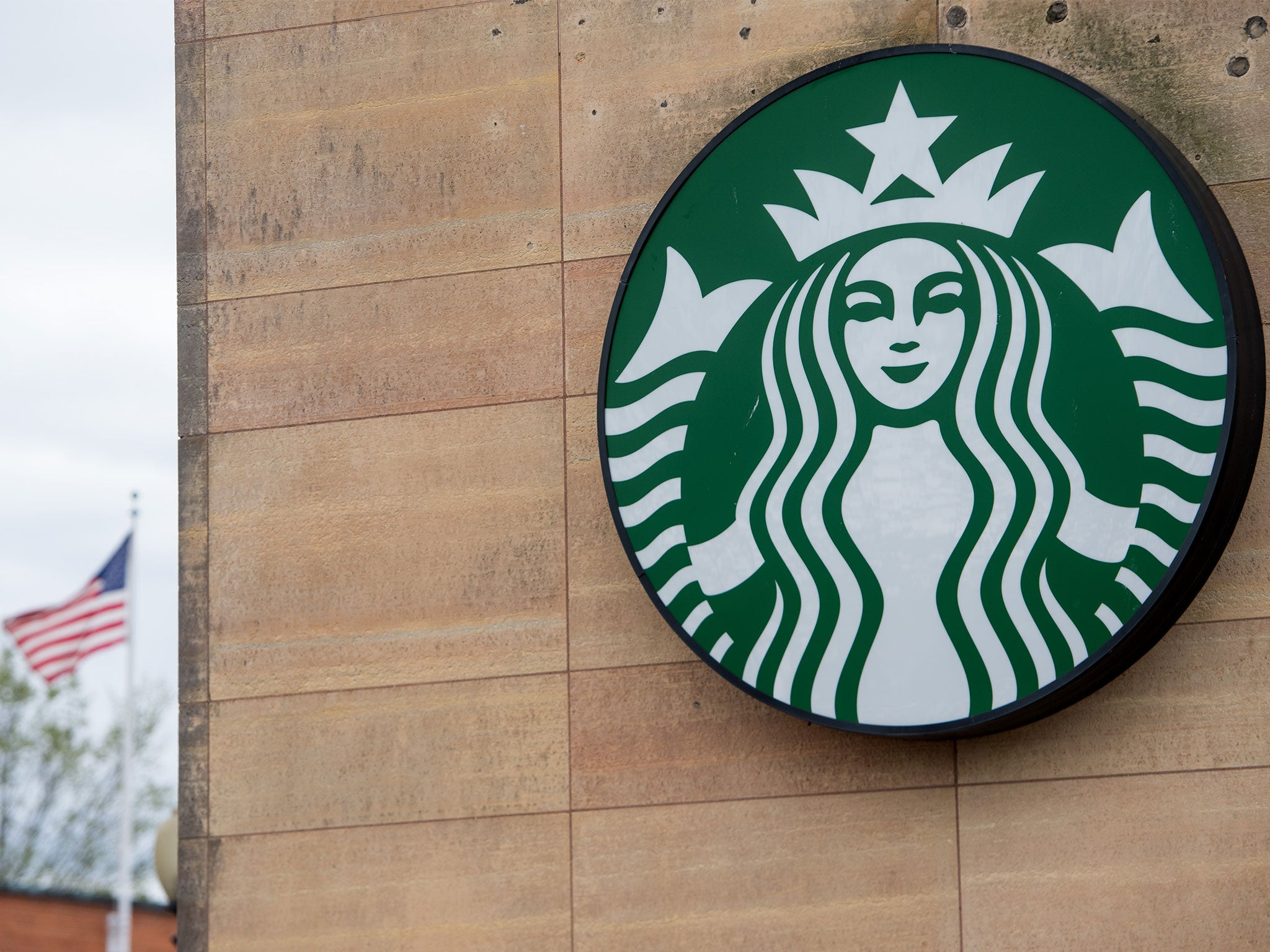 Starbucks closes 8,000 stores to give staff diversity training amid race storm