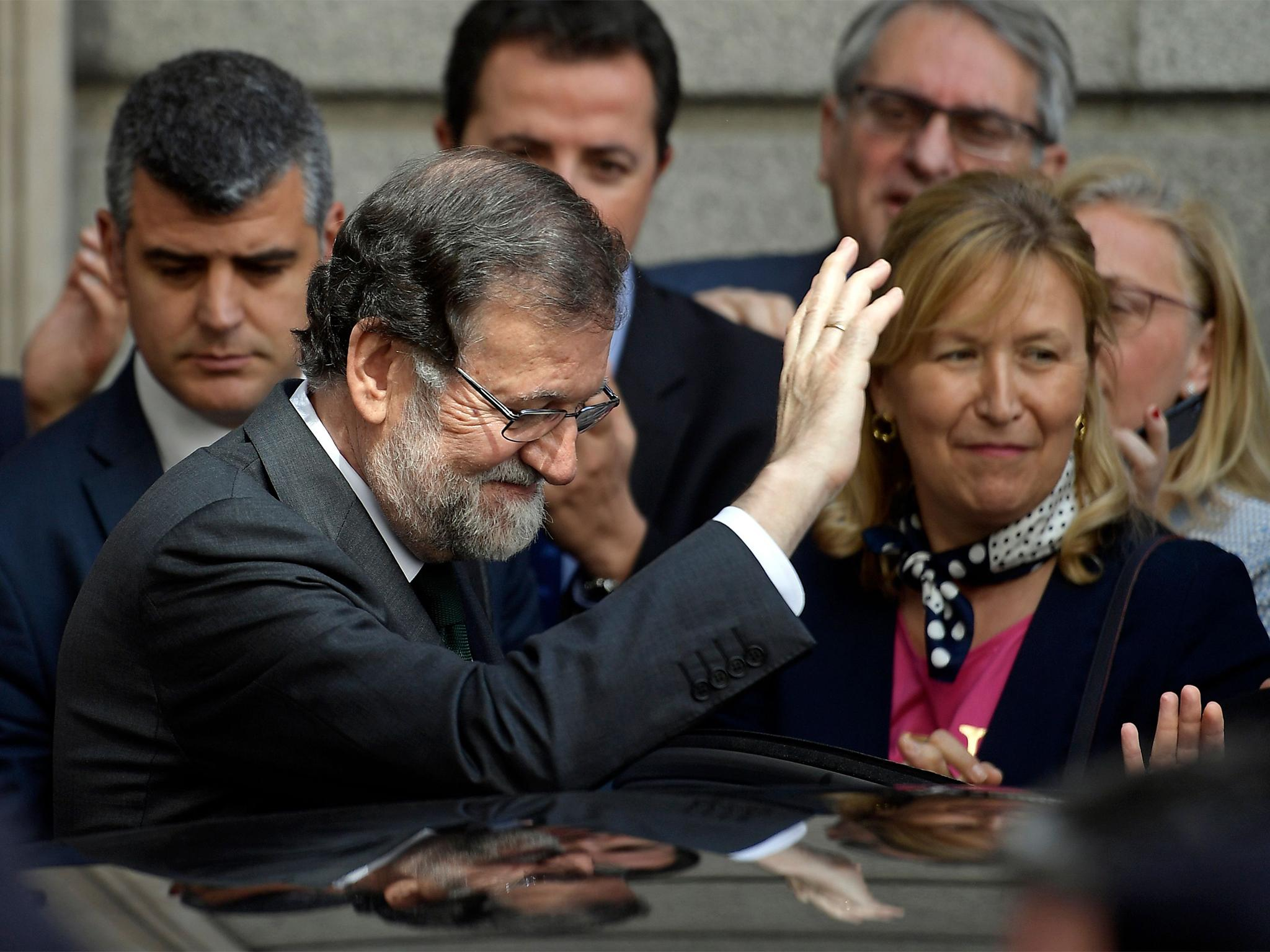 Rajoy out: Spain's government collapses after no-confidence vote