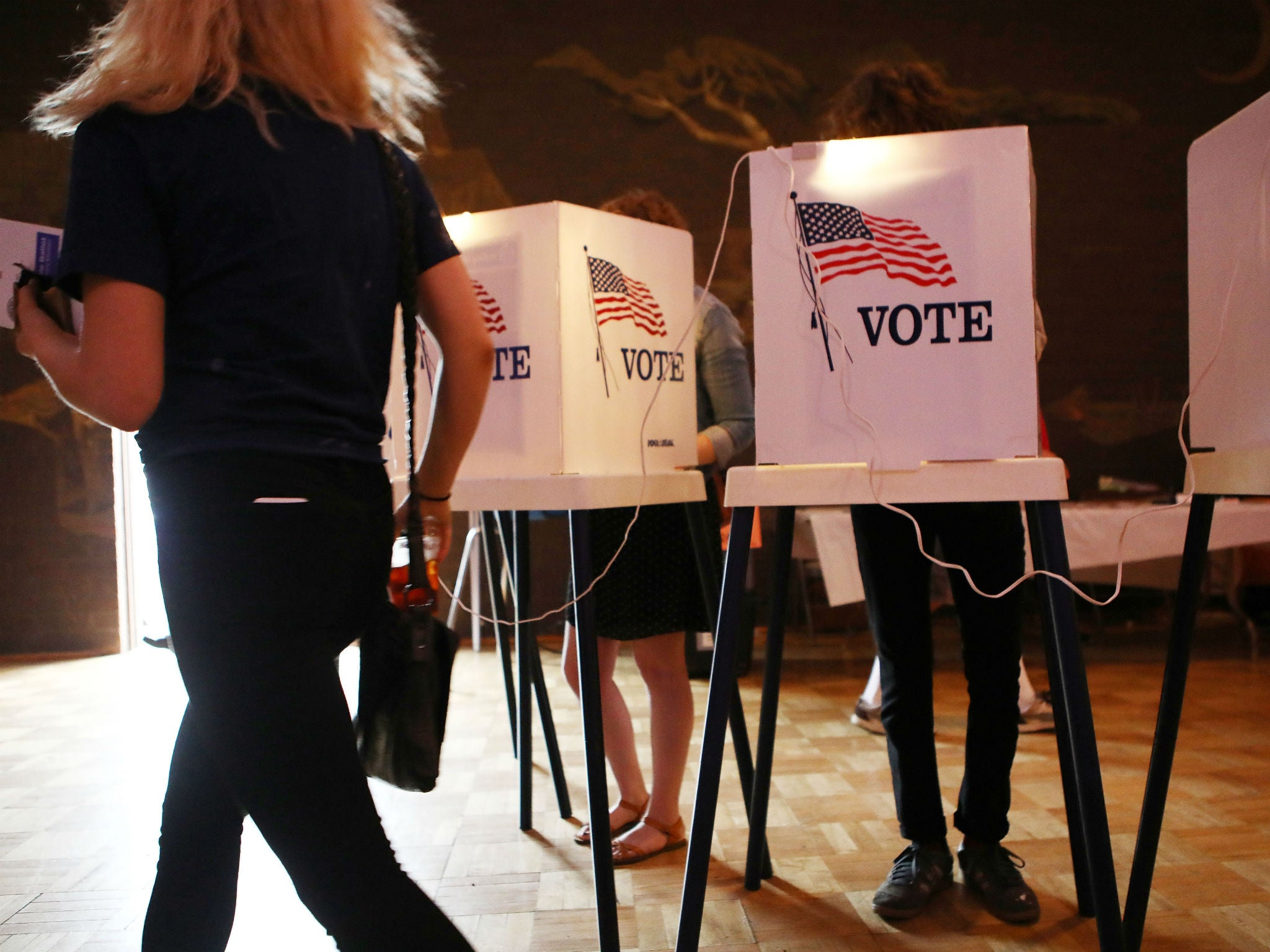 California primary leads eight elections that could help swing control of Congress